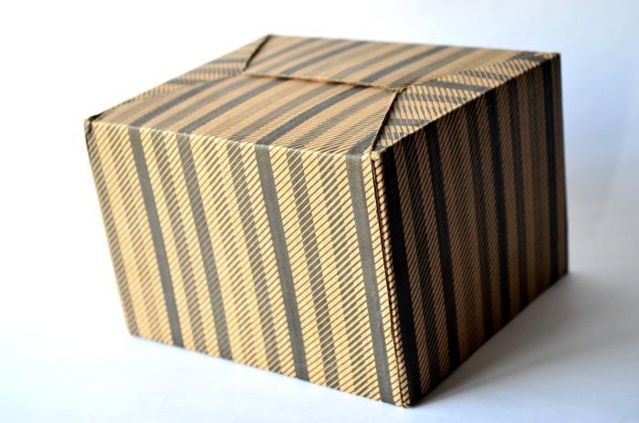 cardboard-box-389935_1920
