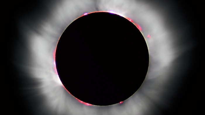 2-Solar_eclipse_1999_4_NR