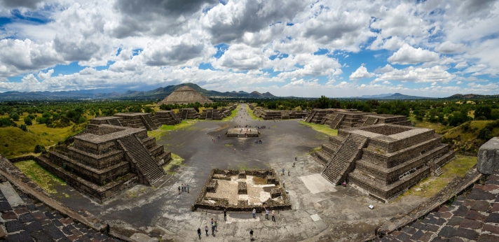 Teo3-Panoramic_view_of_Teotihuacan