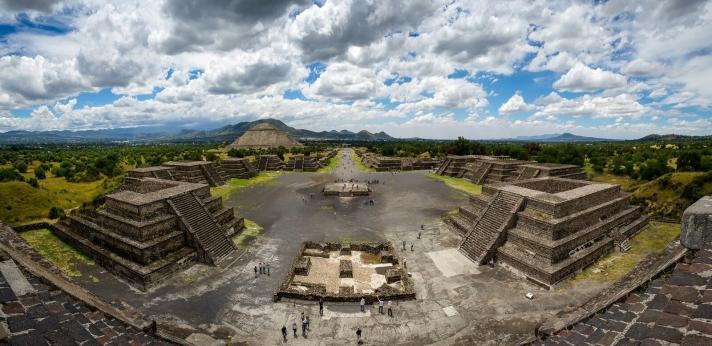 Teo3-Panoramic_view_of_Teotihuacan