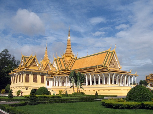 8-Throne_Hall,_Royal_Palace,_Phnom_Penh,_Cambodia